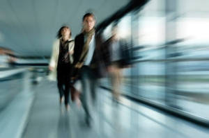 Blurred_People_Walking